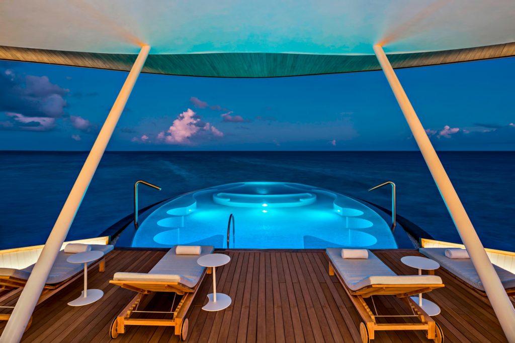 The St. Regis Maldives Vommuli Luxury Resort - Dhaalu Atoll, Maldives - Iridium Spa Pool Night
