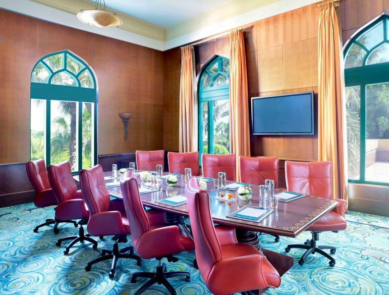 Atlantis The Palm Luxury Resort - Crescent Rd, Dubai, UAE - Atlas Boardroom
