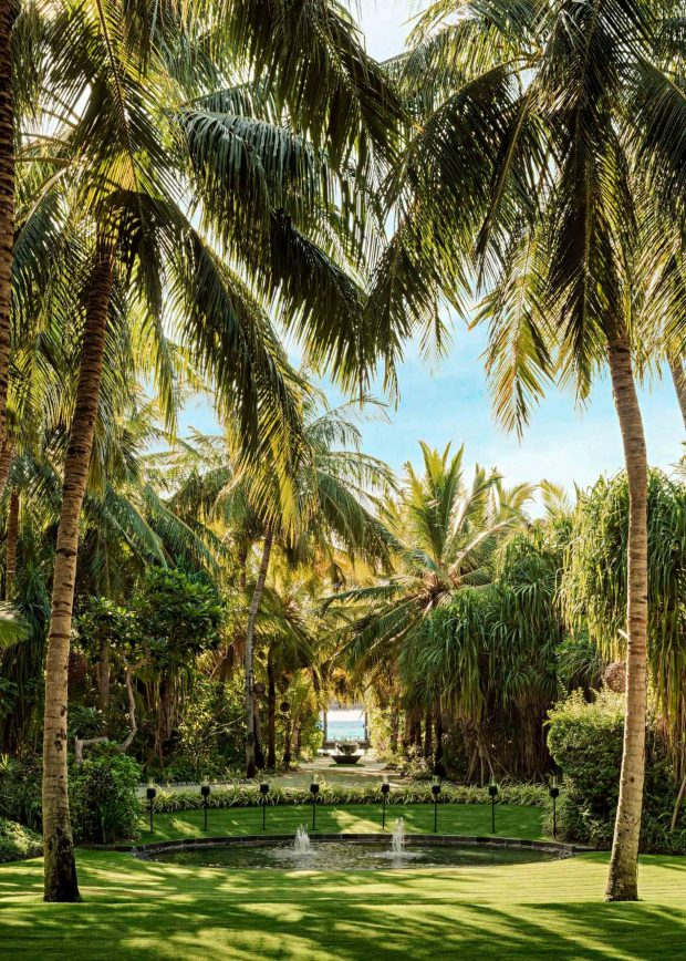 One&Only Reethi Rah Luxury Resort - North Male Atoll, Maldives - Spa Relaxation Lawn