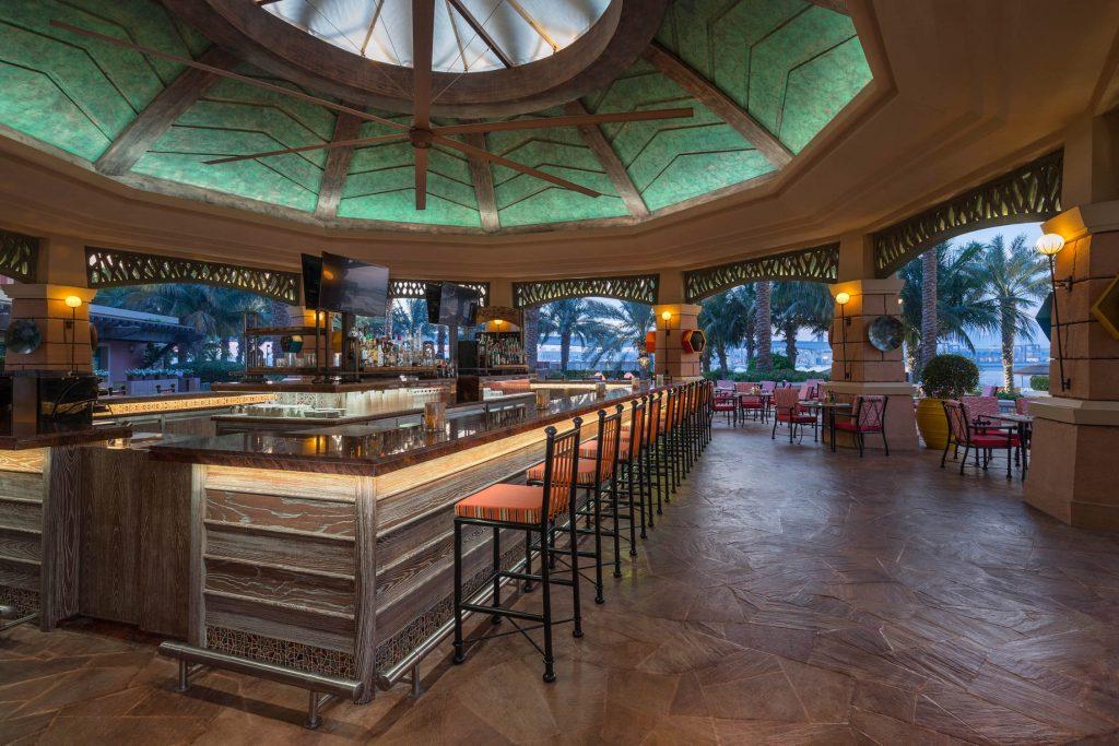 Atlantis The Palm Luxury Resort - Crescent Rd, Dubai, UAE - The Shore Bar