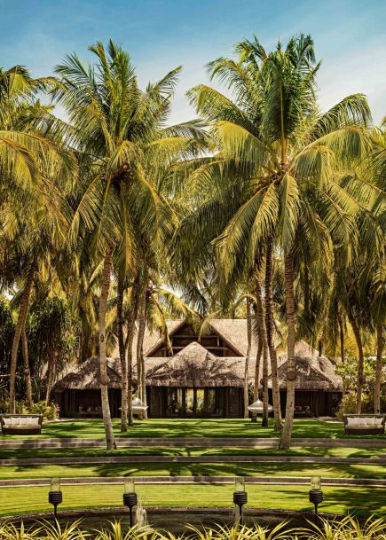 One&Only Reethi Rah Luxury Resort - North Male Atoll, Maldives - Spa Building Lawn