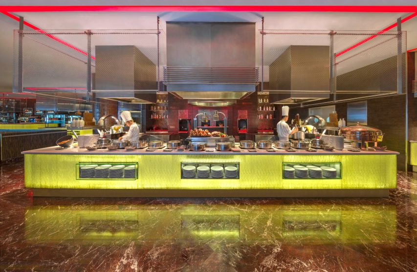 Atlantis The Palm Luxury Resort - Crescent Rd, Dubai, UAE - Saffron Restaurant Buffet