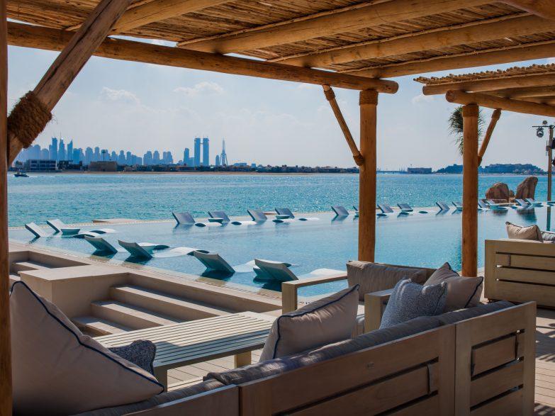 Atlantis The Palm Luxury Resort - Crescent Rd, Dubai, UAE - White Beach Club Poolside Lounge