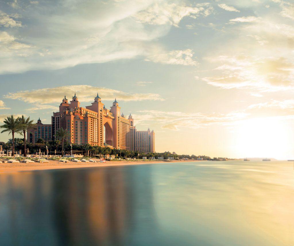 Atlantis The Palm Luxury Resort - Crescent Rd, Dubai, UAE - Resort Sunset