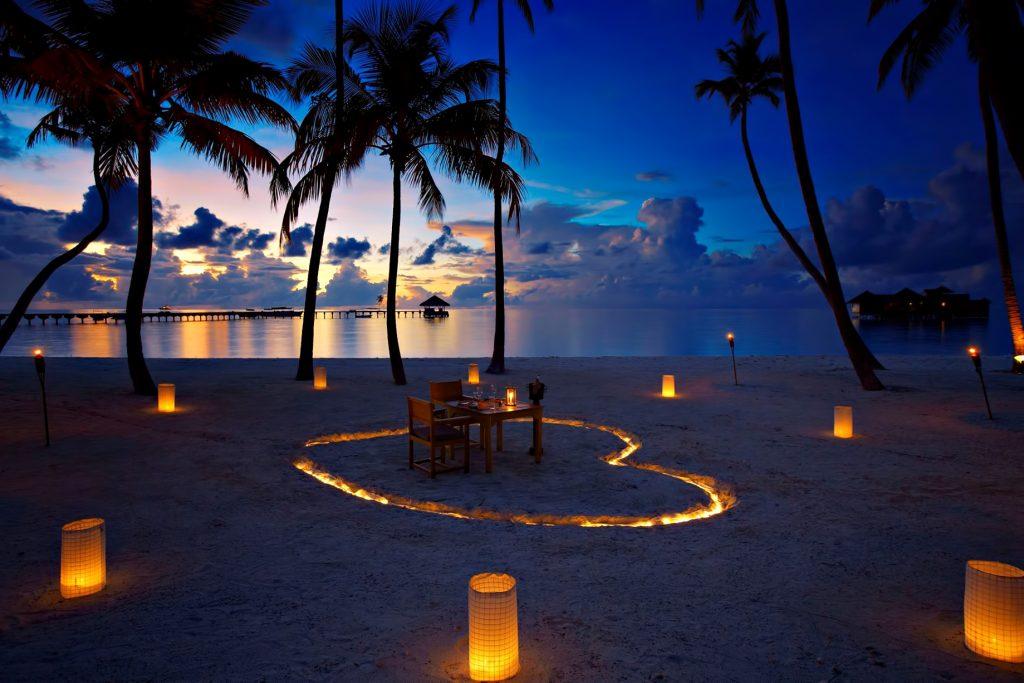 Gili Lankanfushi Luxury Resort - North Male Atoll, Maldives - Beach Heart Dining Table Sunset