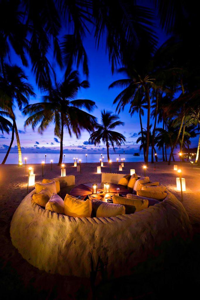 Gili Lankanfushi Luxury Resort - North Male Atoll, Maldives - Beach Heart Dining Lounge Sunset