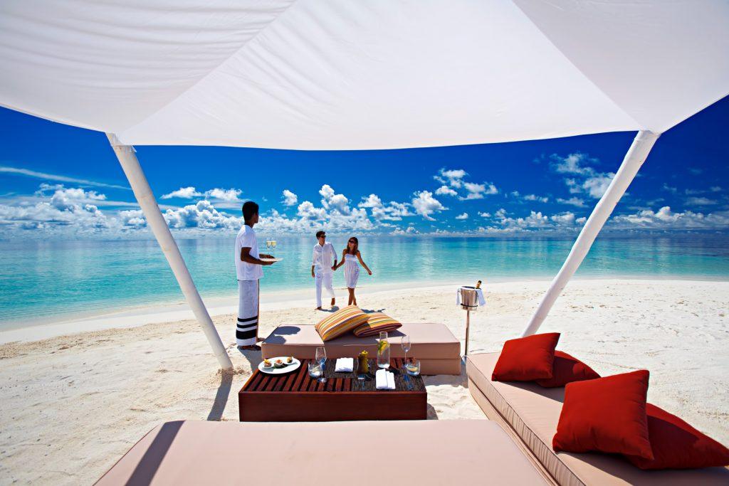 Velassaru Maldives Luxury Resort - South Male Atoll, Maldives - Beach Lounge
