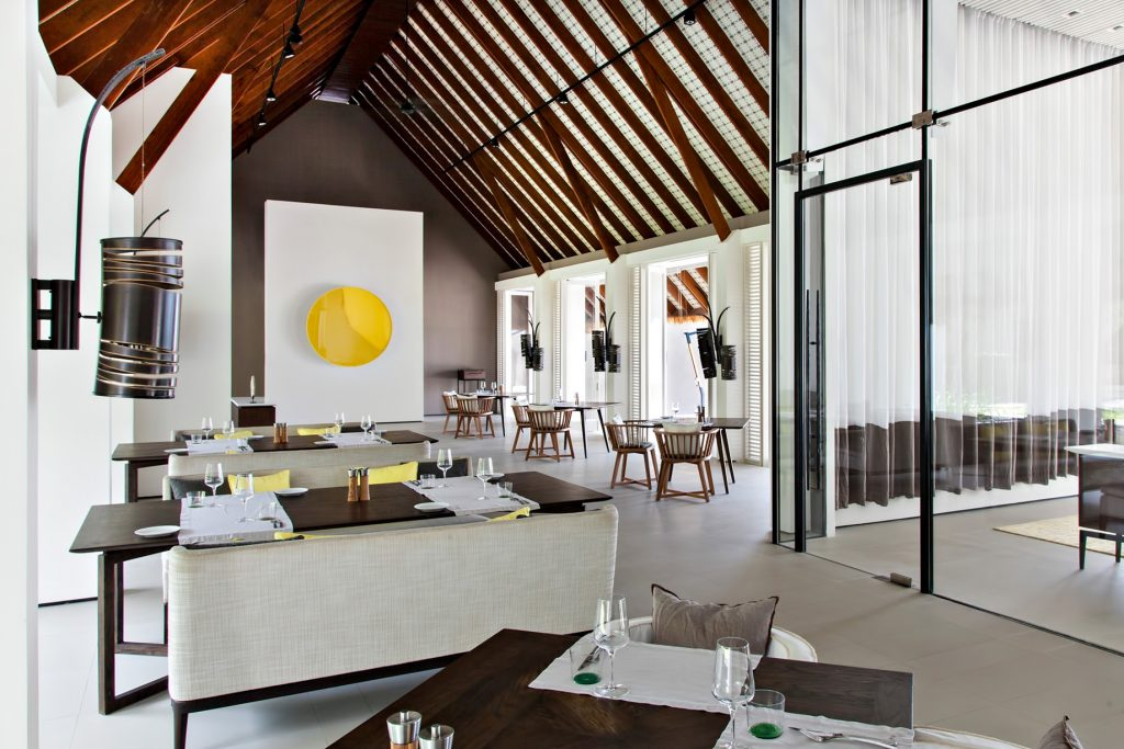 Cheval Blanc Randheli Luxury Resort - Noonu Atoll, Maldives - The White Restaurant