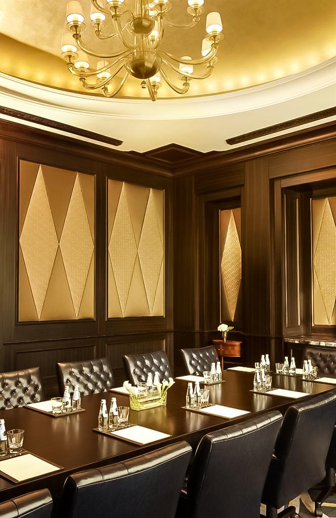 The St. Regis Abu Dhabi Luxury Hotel - Abu Dhabi, United Arab Emirates - Liwa