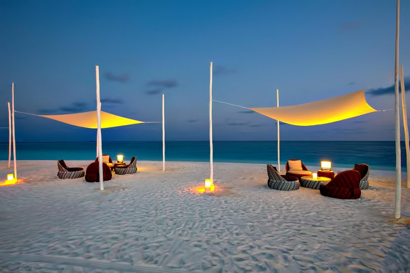 Velassaru Maldives Luxury Resort - South Male Atoll, Maldives - Beach Dusk Lounge