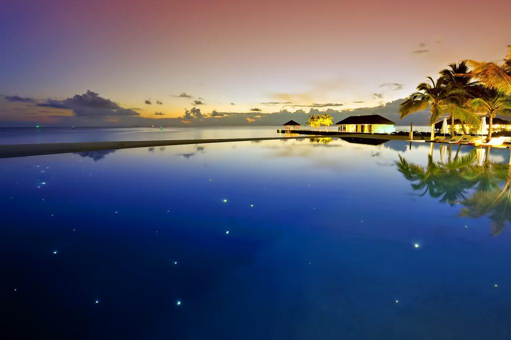 Velassaru Maldives Luxury Resort - South Male Atoll, Maldives - Night Infinity Pool