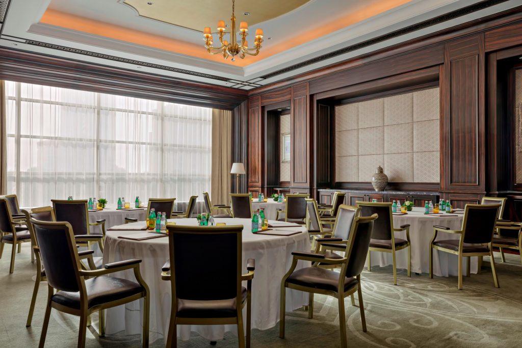 The St. Regis Abu Dhabi Luxury Hotel - Abu Dhabi, United Arab Emirates - Al Jurf Cabaret Setup