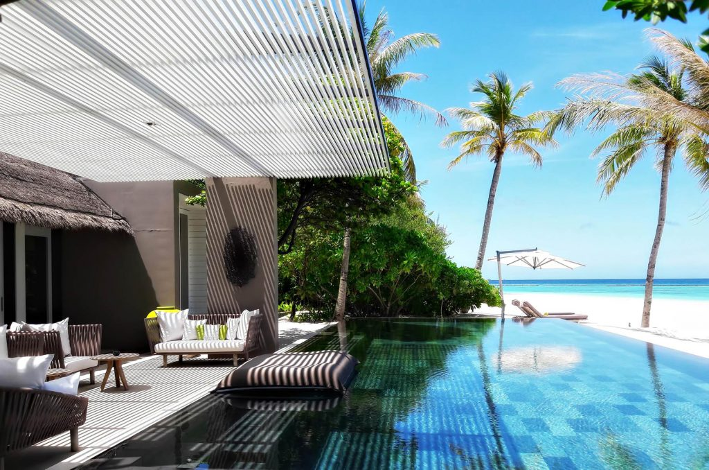 Cheval Blanc Randheli Luxury Resort - Noonu Atoll, Maldives - Beachfront Infinity Pool Deck