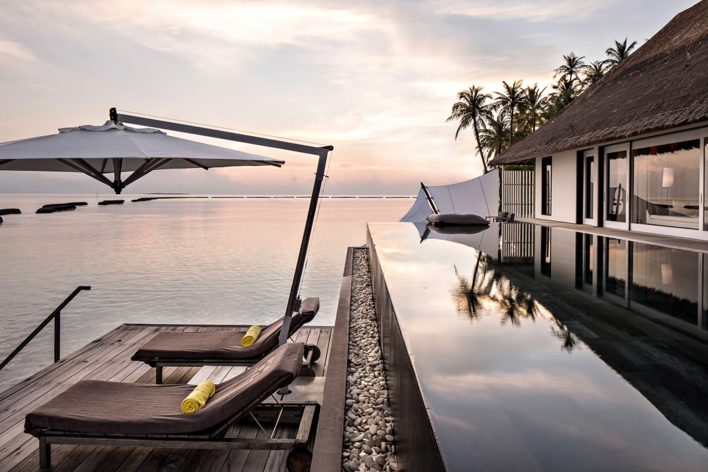 Cheval Blanc Randheli Luxury Resort - Noonu Atoll, Maldives - Villa Overwater Infinity Pool Deck Sunset