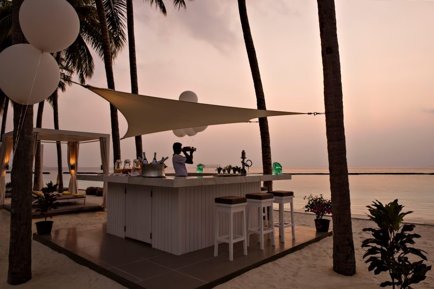 Cheval Blanc Randheli Luxury Resort - Noonu Atoll, Maldives - White Bar Beach Club Sunset