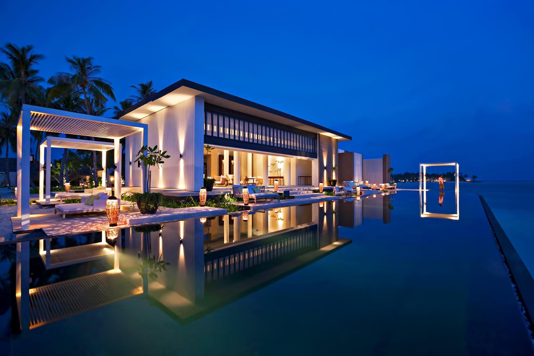 Cheval Blanc Randheli Luxury Resort - Noonu Atoll, Maldives - Private Island Villa Infinity Pool Sunset
