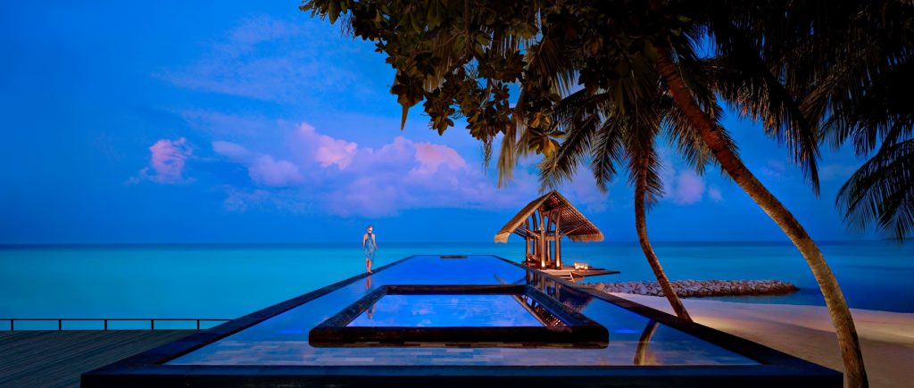 One&Only Reethi Rah Luxury Resort - North Male Atoll, Maldives - Beachfront Overwater Infinity Pool Sunset