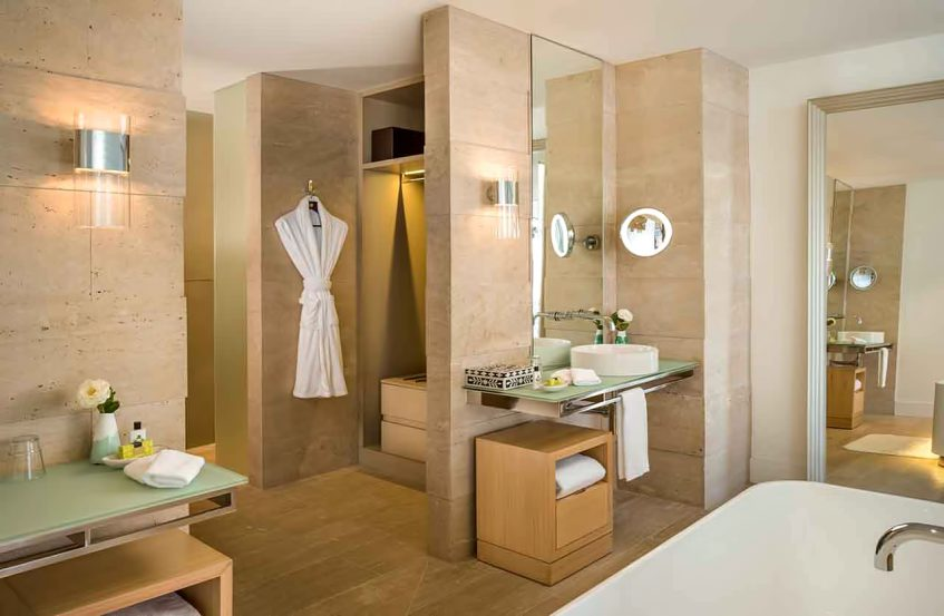 InterContinental Hayman Island Resort - Whitsunday Islands, Australia - One Bedroom Pool Ocean View Suite Bathroom
