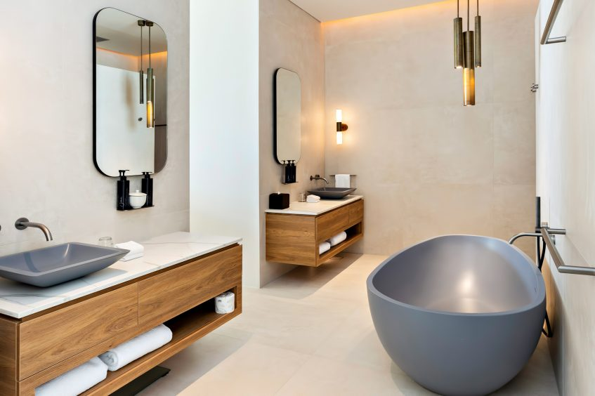 InterContinental Hayman Island Resort - Whitsunday Islands, Australia - Hayman Beach House Bathroom