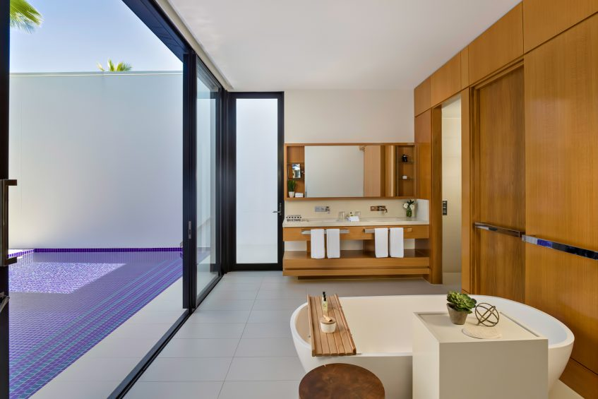 InterContinental Hayman Island Resort - Whitsunday Islands, Australia - Beachfront Pool Villa Bathroom