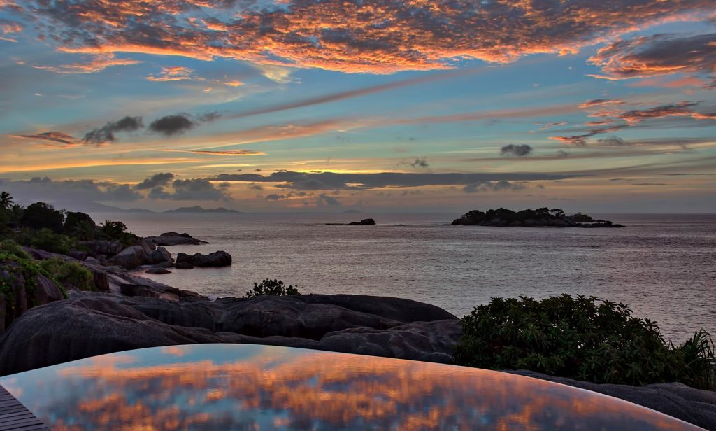 Six Senses Zil Pasyon Luxury Resort - Felicite Island, Seychelles - Spa Pool Sunset