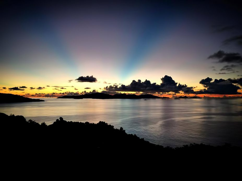 Six Senses Zil Pasyon Luxury Resort - Felicite Island, Seychelles - Oceanview Sunset Rays