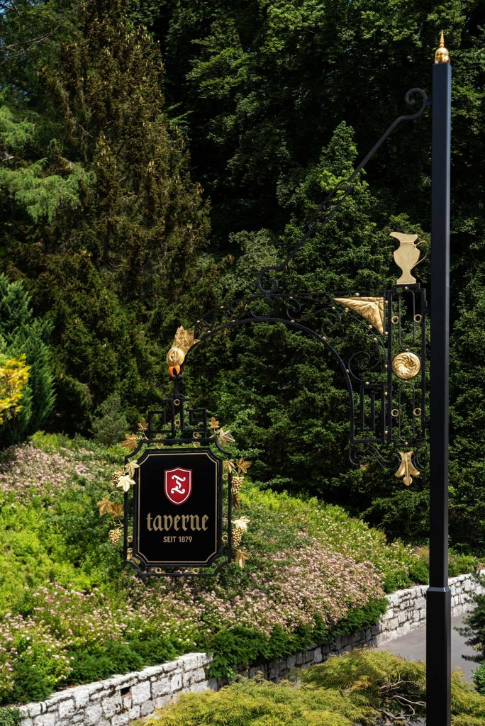 Taverne 1879 - Burgenstock Hotels & Resort - Obburgen, Switzerland - Entrance
