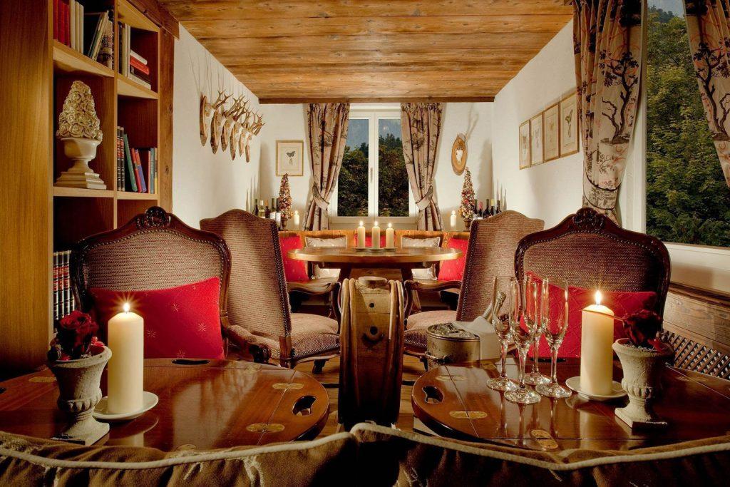 Taverne 1879 - Burgenstock Hotels & Resort - Obburgen, Switzerland - Taverne Lounge