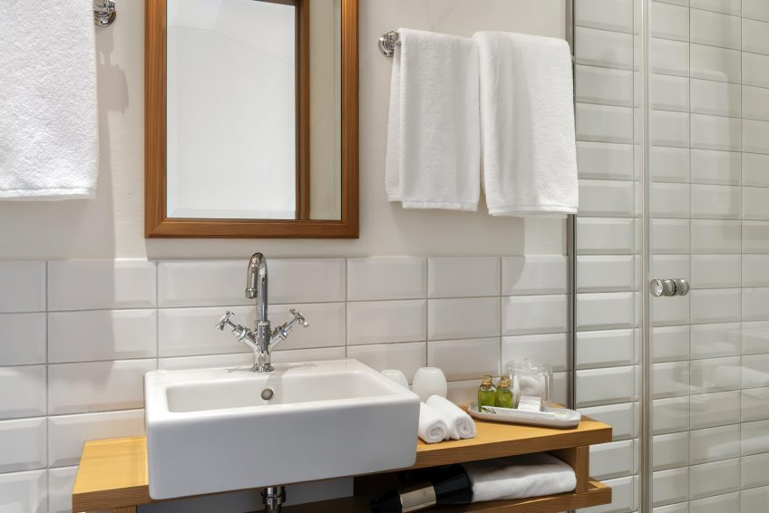 Taverne 1879 - Burgenstock Hotels & Resort - Obburgen, Switzerland - Bathroom