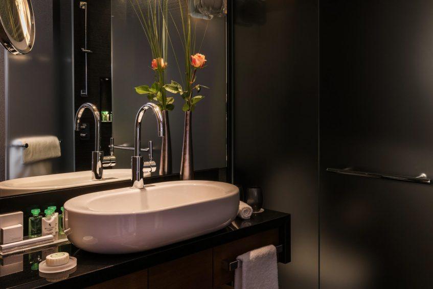 Palace Hotel - Burgenstock Hotels & Resort - Obburgen, Switzerland - Deluxe Alpine View Room Bathroom