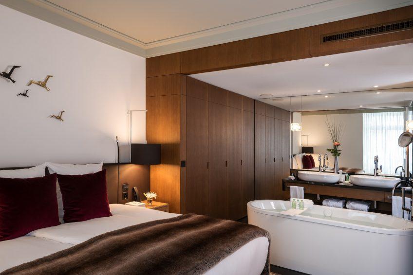Palace Hotel - Burgenstock Hotels & Resort - Obburgen, Switzerland - Palace Lakeview Suite Bathroom