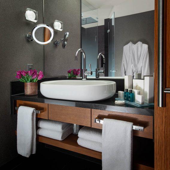 Palace Hotel - Burgenstock Hotels & Resort - Obburgen, Switzerland - Superior Room Bathroom