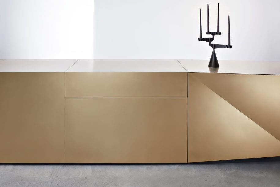 FOLD Iconic Origami Kitchen Block Design - Martin Steininger - Hob extractor closed with actuation via motion sensor