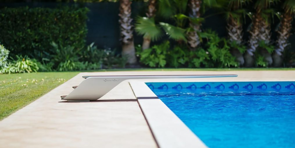 Gracie Bird Luxury Molono Diving Board Installation - Dodo Arslan